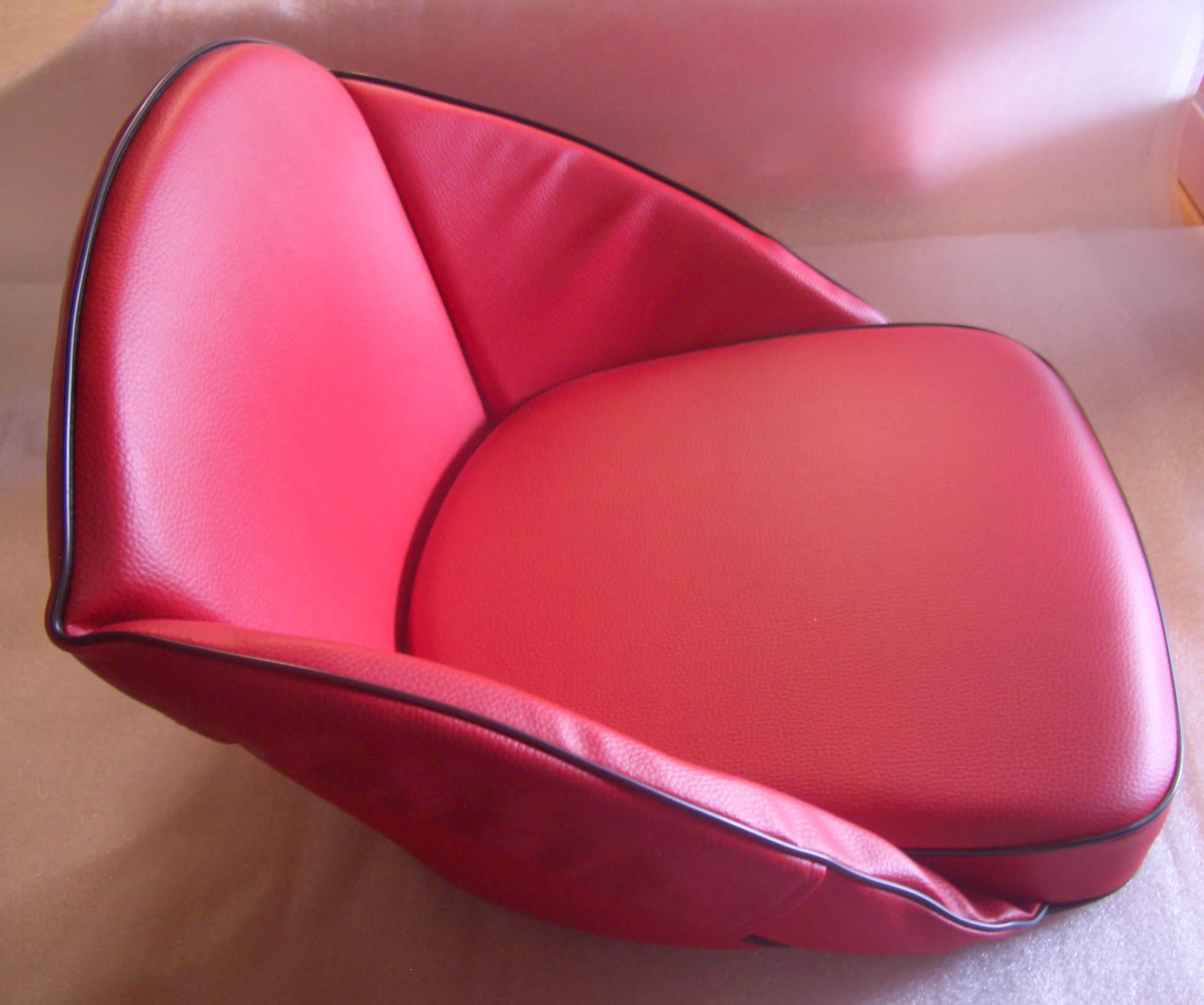 oldtimer jehle traktor sitzkissen hochlehner rot. Black Bedroom Furniture Sets. Home Design Ideas
