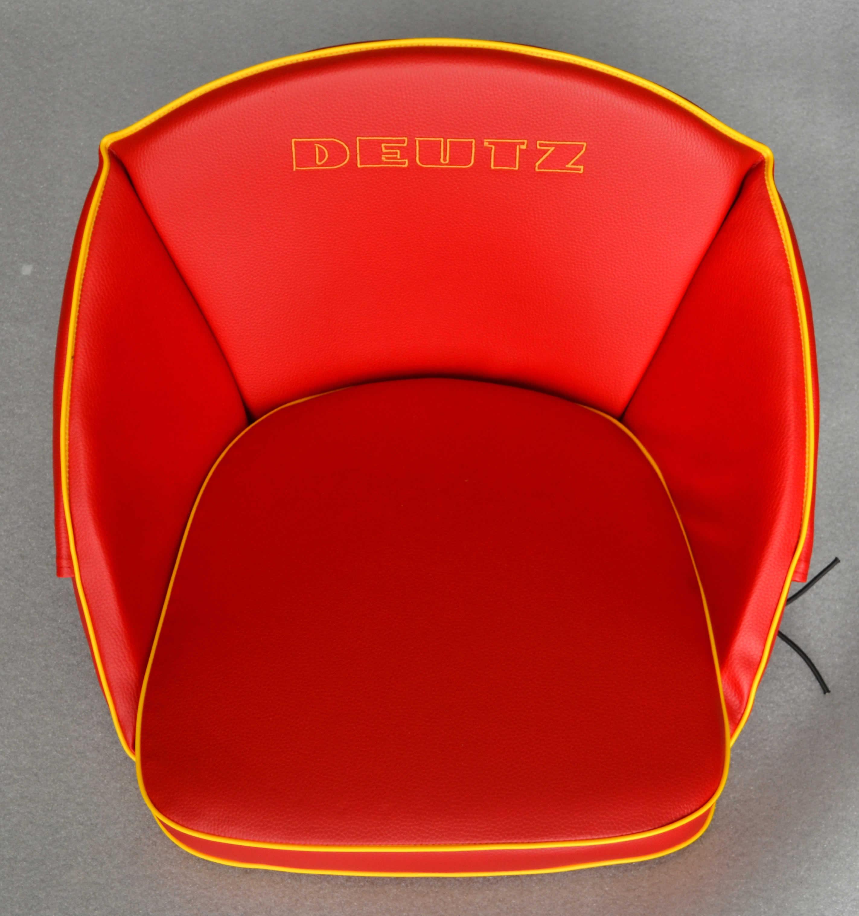 oldtimer jehle traktor sitzkissen hochlehner rot f r. Black Bedroom Furniture Sets. Home Design Ideas
